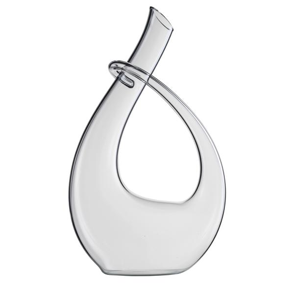 Dieser elegante Weindekanter von Eisch wird von Hand gefertigt und tropft dank No-Drop-Effekt nicht. (Foto: Eisch)